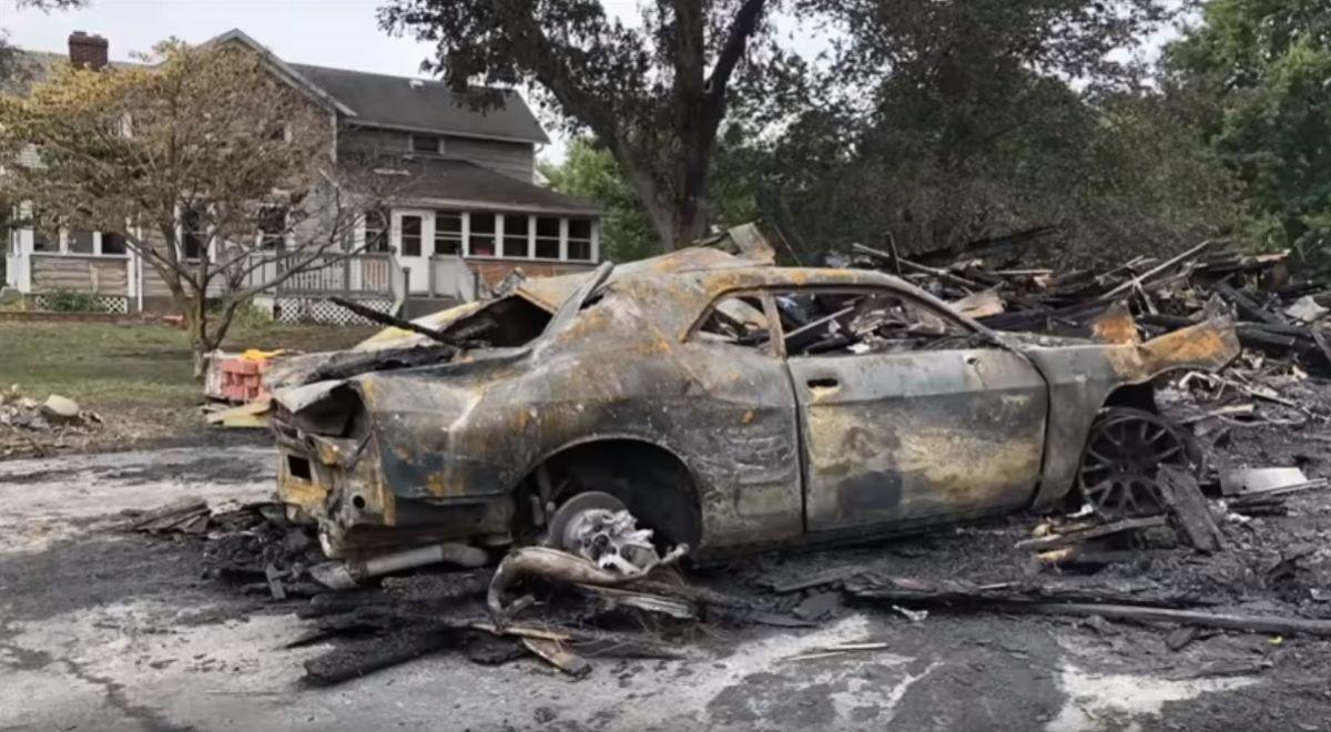 ¡Un milagro!: restauran un Dodge Challenger quemado y las imágenes te dejaran impresionado