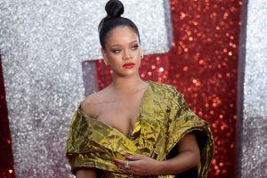 Rihanna se deja ver al natural y demuestra de nuevo que no usa Photoshop