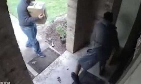 Video: Buscan a sospechosos que roban paquetes en el área de Pasadena, Texas