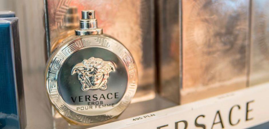 Los 5 mejores perfumes Versace por menos de $60