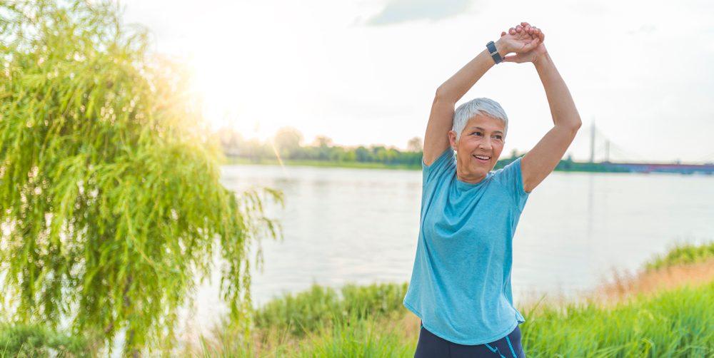 4 piezas de ropa fresca y ligera para combatir los sofocos de la menopausia