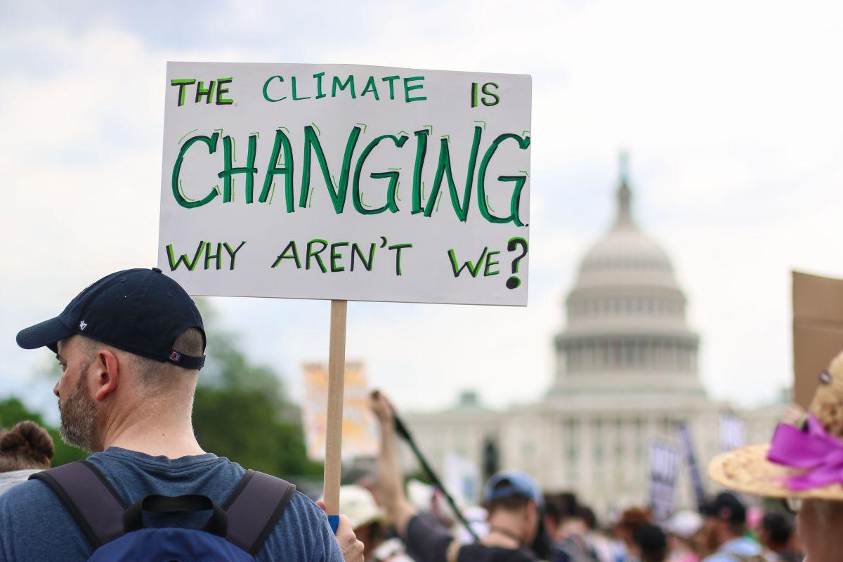 El cambio climático impactará las tendencias de votación entre los latinos el Día de las Elecciones