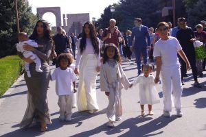 Kim Kardashian por fin descubre qué hacer con sus hijos durante la cuarentena