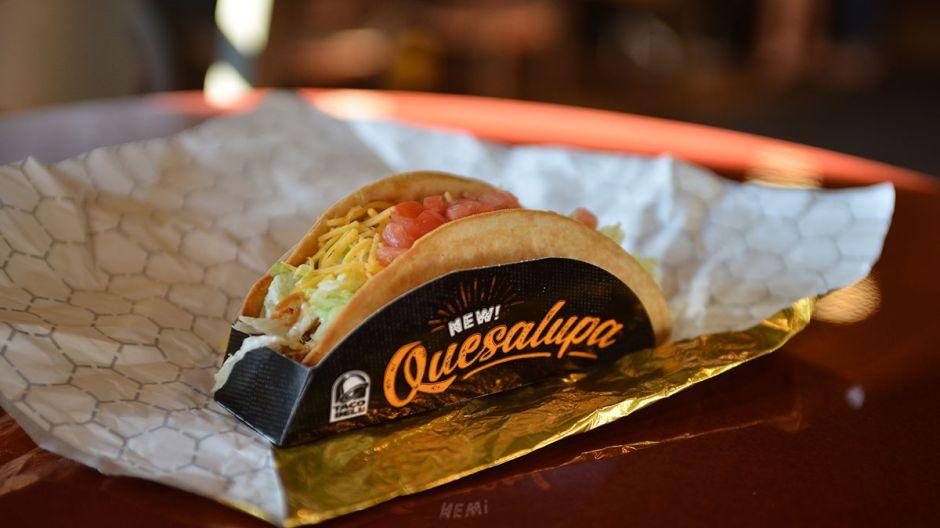Pareja demanda a Taco Bell por vender sus 'Chalupas' más caras