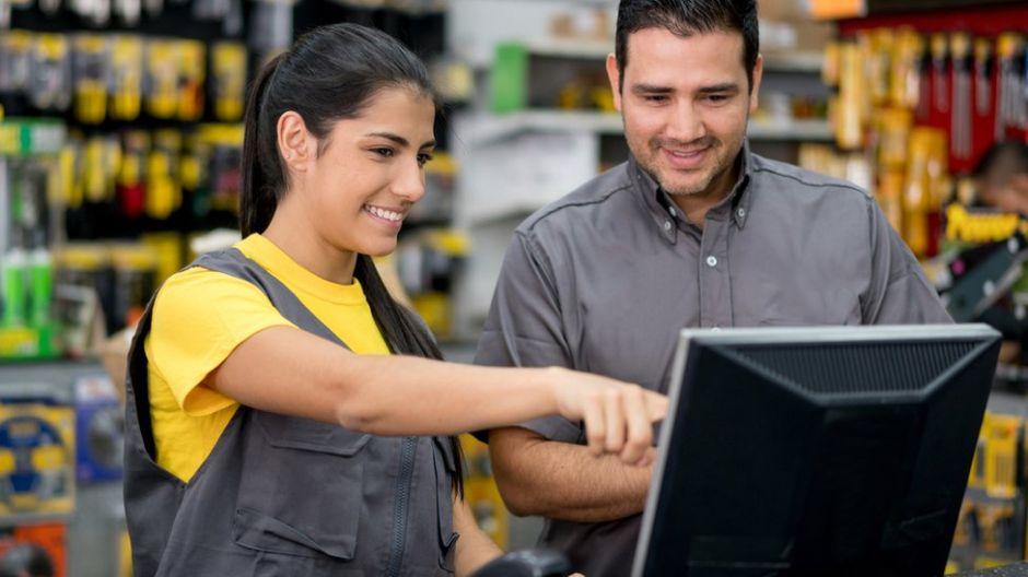 Los latinos en Estados Unidos: en qué trabajan realmente, cuánto dinero ganan y cuál es su poder económico