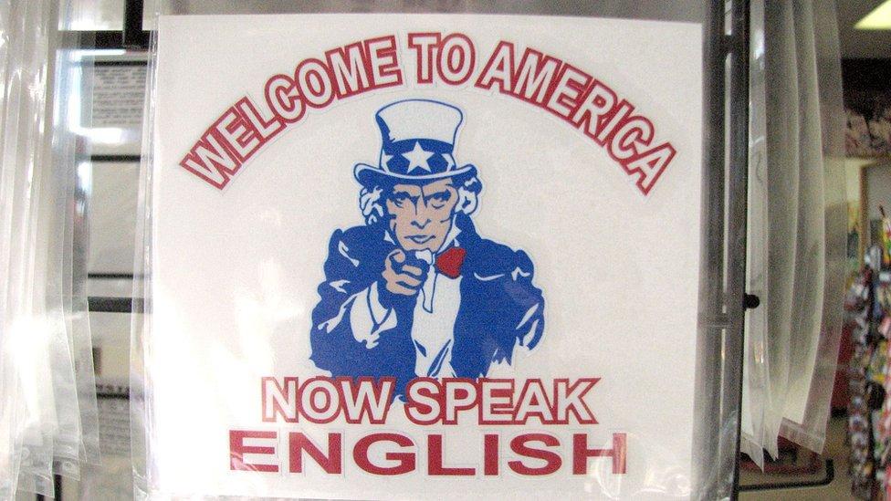"""""""English Only"""": el movimiento que quiere limitar la presencia del español en Estados Unidos"""