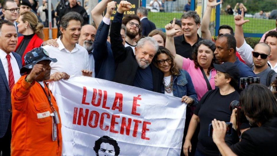 Lula sale en libertad tras pasar 19 meses preso en Brasil por un caso de corrupción