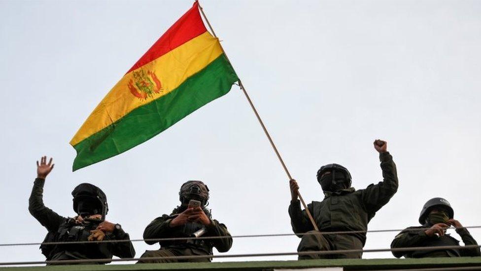 """Motín de policías en Bolivia: Evo Morales denuncia un """"golpe de Estado"""""""