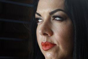"""""""Fui acosada en mi pueblo por hablar español y me tuve que ir"""": Ana Suda, la texana retenida por hablar español en una gasolinera"""
