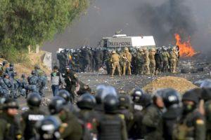 """Crisis en Bolivia: el """"uso desproporcionado de la fuerza"""" contra seguidores de Evo Morales en Bolivia recibe el repudio de organizaciones internacionales"""