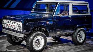 Jay Leno se une a mecánicos especializados para restaurar una Ford Bronco clásica: Mira el antes y el después