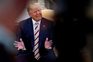 Funcionarios de la Casa Blanca dejan plantados a congresistas para no testificar contra Trump