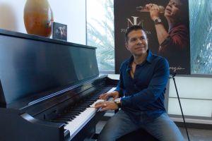 Jorge Medina, ex cantante de La Arrolladora Banda El Limón, se arriesga en su nuevo disco