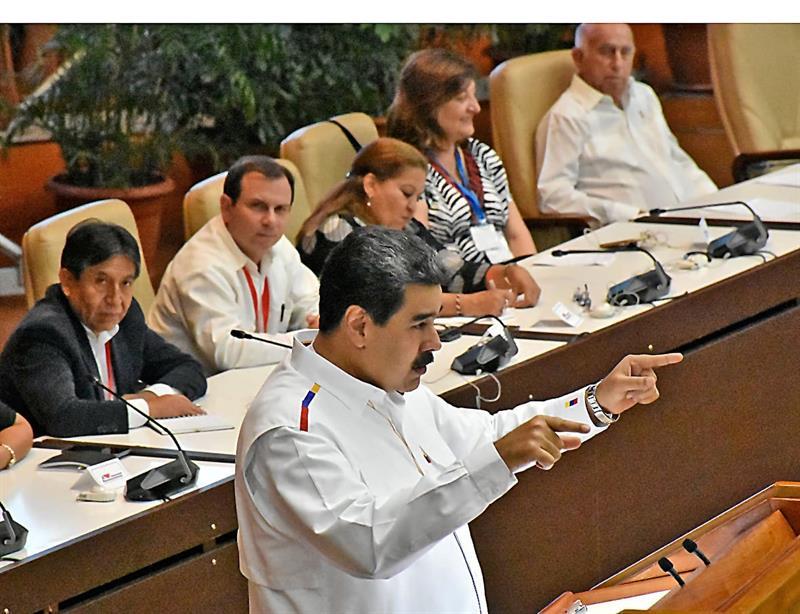Maduro dice que AMLO lidera un frente antineoliberal