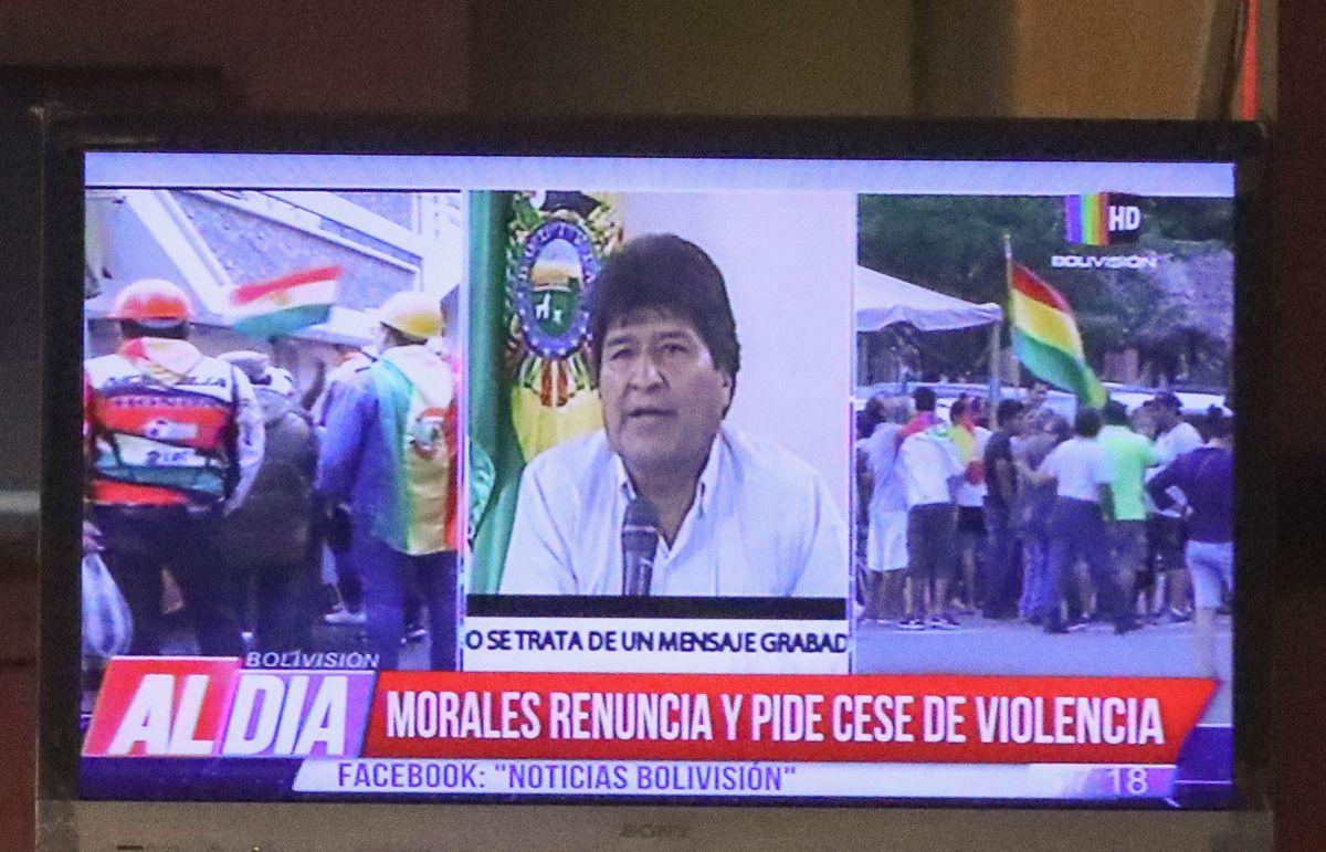 Morales renunció para evitar una escalada de violencia en su país.