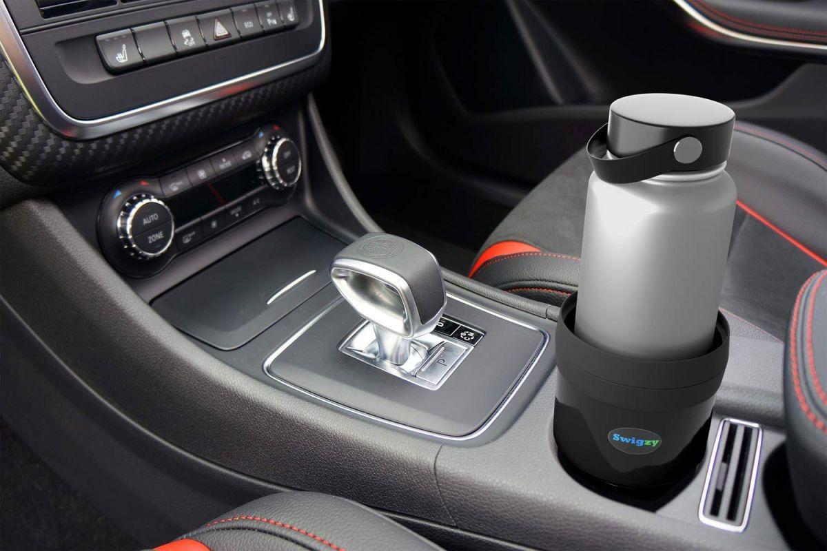 Los 4 mejores portavasos que puedes tener en tu auto para no derramar tus bebidas