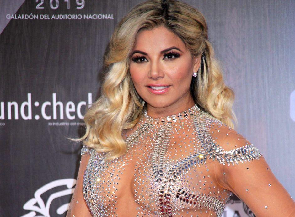 Aleida Núñez luce sus curvas de infarto con sensuales vestidos