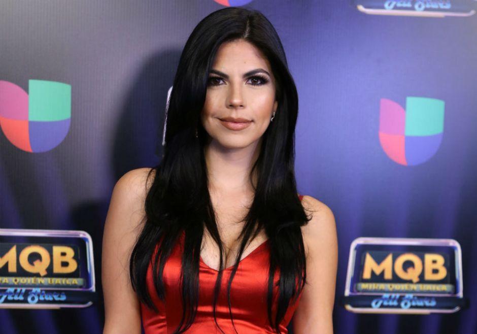 Africa Zavala muestra una minicintura y más curvas que Kim Kardashian