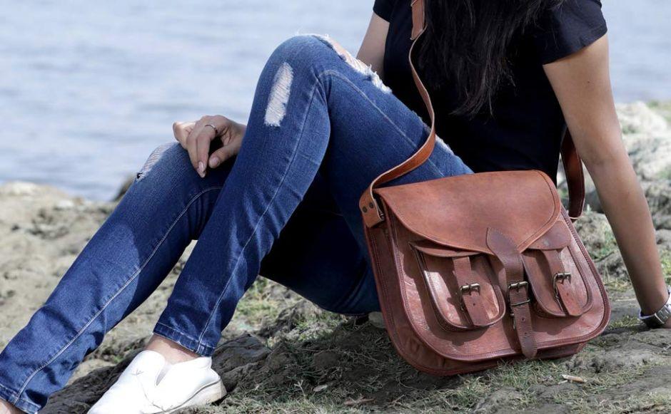 5 bolsos de cuero estilo mensajero para darle un toque vintage a tu look de Otoño
