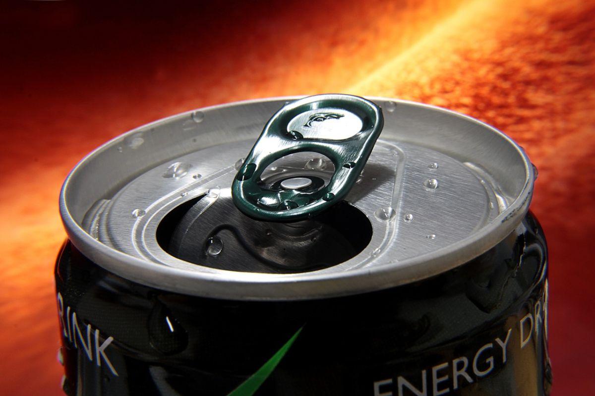 Bebidas energéticas provocan aumento de peso y podrían ponerte agresivo