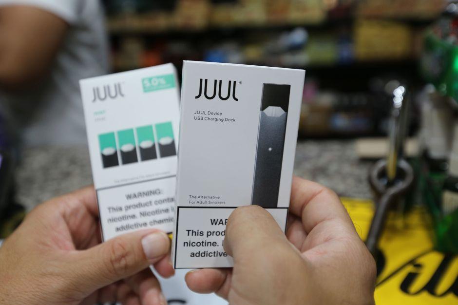 California lleva a corte a Juul, el mayor fabricante de cigarrillos electrónicos