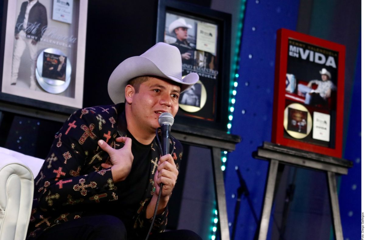 Remmy Valenzuela, el cantante de música regional mexicana ligado al narco a punto de perderlo todo