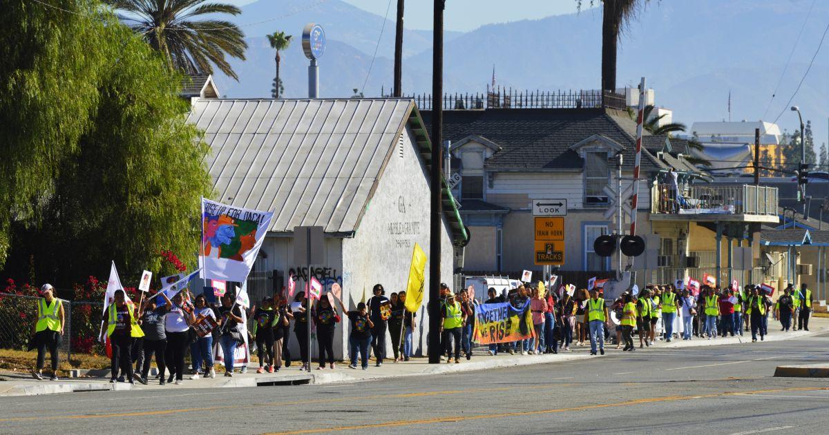 Jóvenes latinos marcha y luchan por la permanencia de DACA y de ellos en EEUU