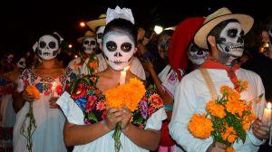 Una sola familia de mexicanos vendió 300,000 flores en 3 días por el Día de los Muertos
