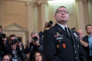 El ejército no investigará a Alexander Vindman por dar testimonio en el juicio político a Trump