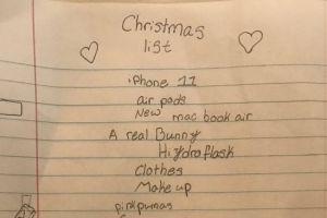 Estos padres están siendo duramente criticados por la carta que su hija hizo a Santa Claus