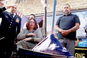 Senadora se solidariza con los veteranos deportados