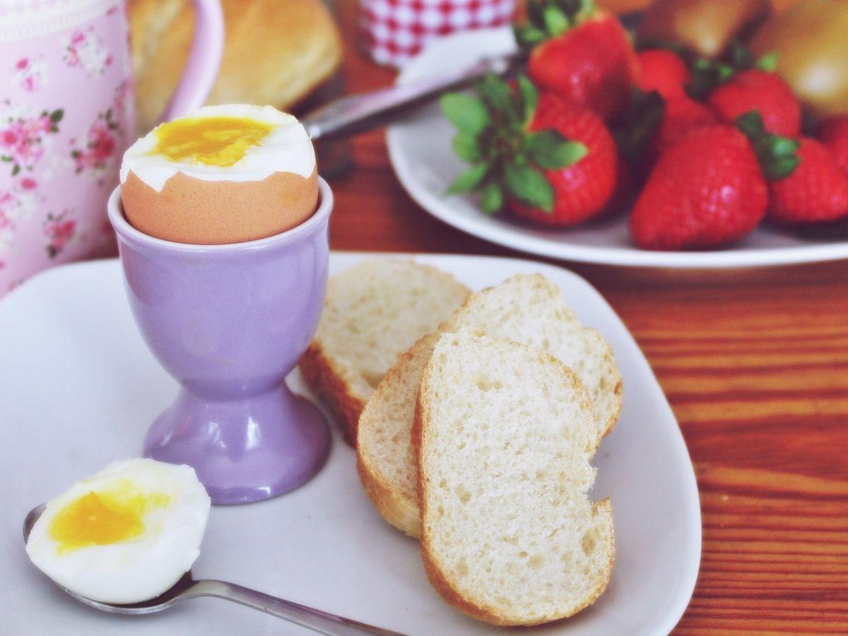 Salmonella, ¿cómo almacenar y cocinar los huevos para evitarla?