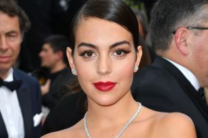 Georgina Rodríguez, la novia de Cristiano Ronaldo, presume sus increíbles curvas