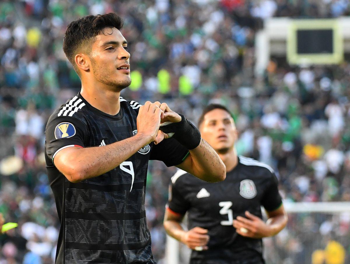 ¡Ya llegó! Raúl Jiménez por fin reportó con la Selección Mexicana