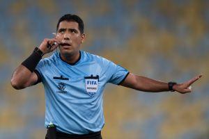 Le quitan a árbitro la final de la Copa Libertadores ¿Qué fue lo que hizo?