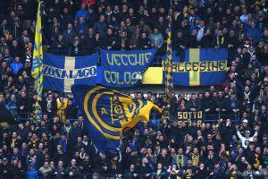 ¡Por racistas! Suspenden 10 años del estadio a aficionados del Hellas Verona