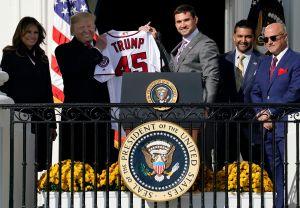 Pese abucheos y desprecio, los Nationals visitaron con plantel incompleto a Donald Trump