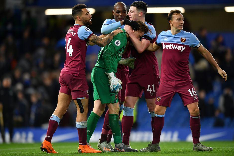 Portero del West Ham debutó a los 33 años y lloró de felicidad