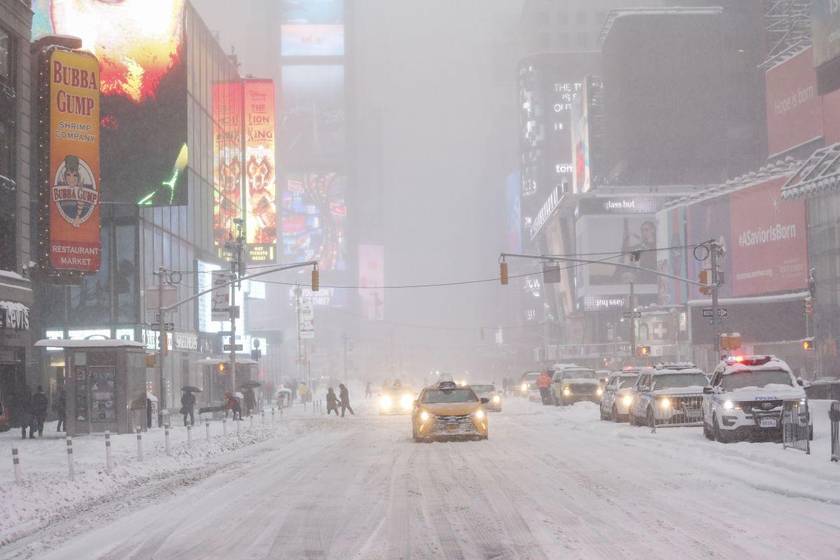 Ola mortal de frío polar congela la mayor parte de Estados Unidos: 240 millones bajo alerta