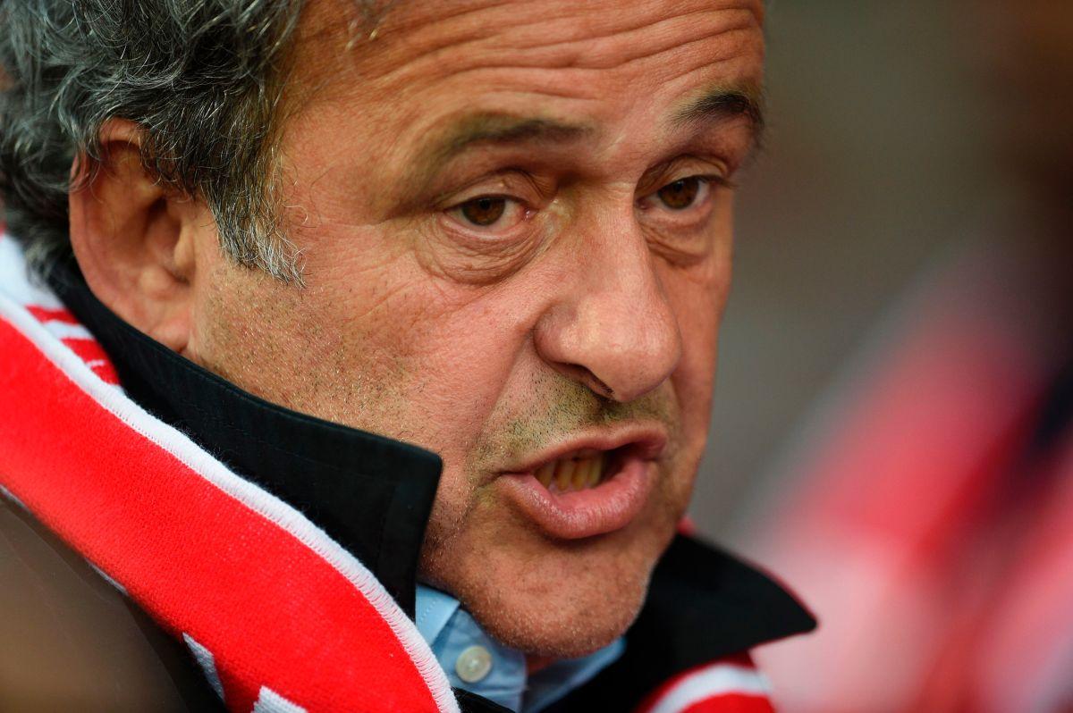 """Michel Platini arremetió contra el VAR y dijo que """"es una gran mier…"""""""
