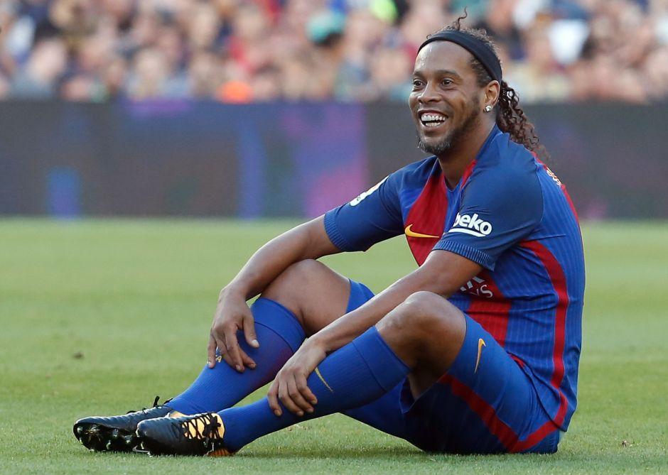 Honor a quien honor merece: Ronaldinho tendrá homenaje en Barcelona