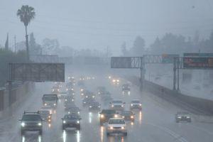 Consejos para tener una mejor visibilidad al manejar bajo la lluvia