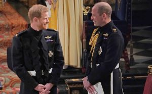 El príncipe William y Harry se separan cada vez más; conversaron el fin de semana y siguen mal