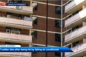 Bebé muere aplastada por aire acondicionado que cayó de un apartamento en Toronto