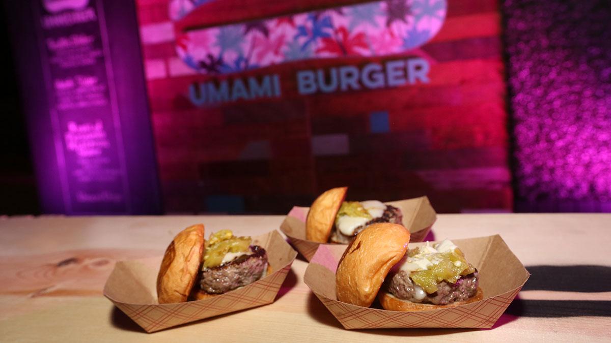 Una cadena de comida rápida te da GRATIS hamburguesas por un año