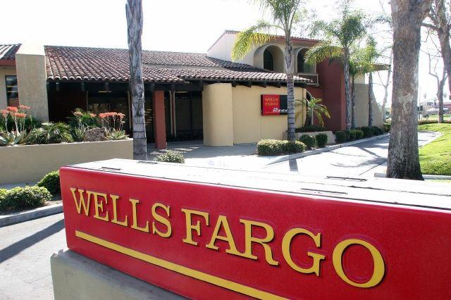 Wells Fargo financia el mayor fondo de préstamos para empresarios latinos