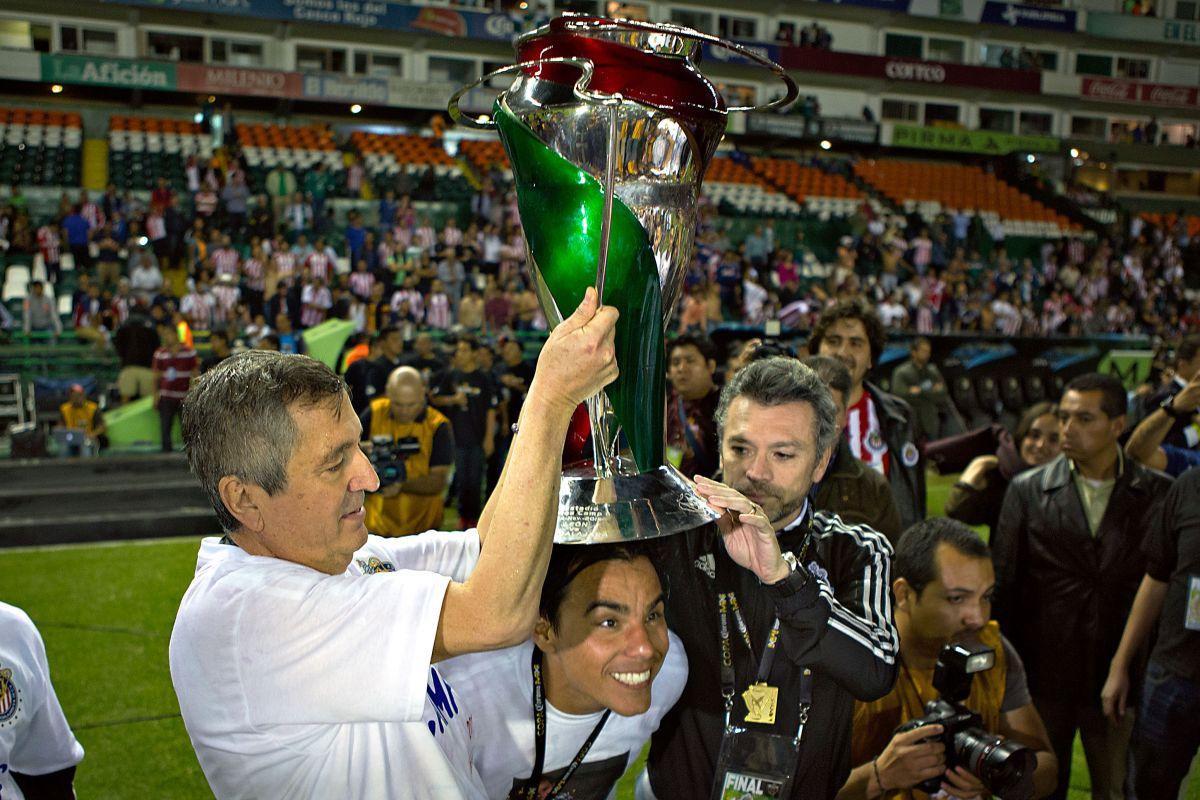 'Chicharito' Hernández, Omar Bravo y más en el mundo del futbol reaccionan por la muerte de Jorge Vergara