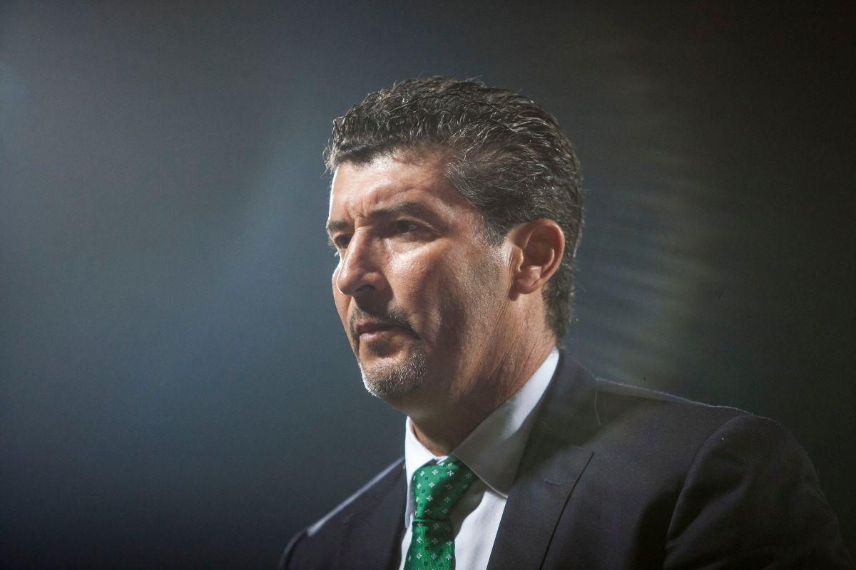 Es oficial: 'Chepo' de la Torre, ex DT del Tri,  vuelve a la Liga MX