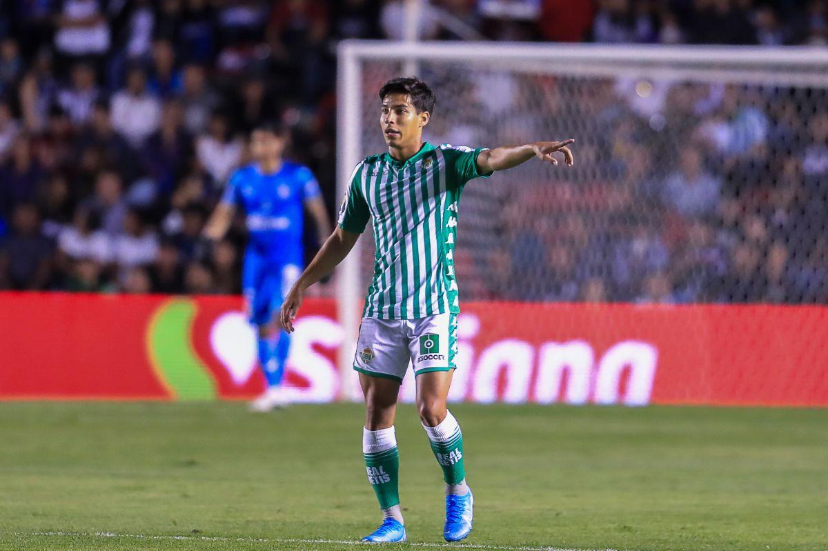 """El América ya prepara el bombazo del mercado invernal porque el Diego Lainez, """"nuevo Messi mexicano"""", no es tomado en cuenta en el Betis."""