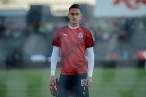 Raúl Gudiño contempla salir de Chivas con tal de ser titular en otro equipo